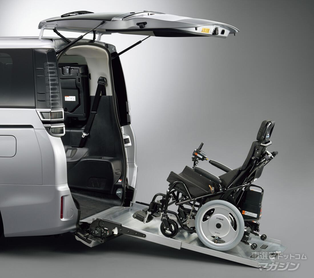 車椅子のまま乗れる福祉車両6選 車いすのまま乗れる車のタイプや注意点も解説